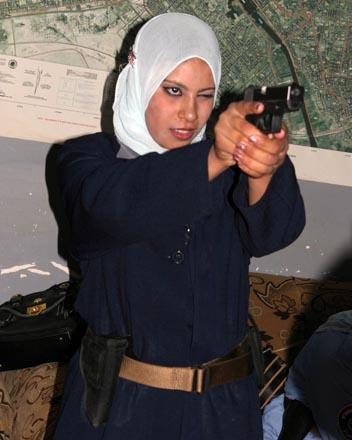 Женщина-азербайджанка и полиция - антагонизм, или Опять про менталитет