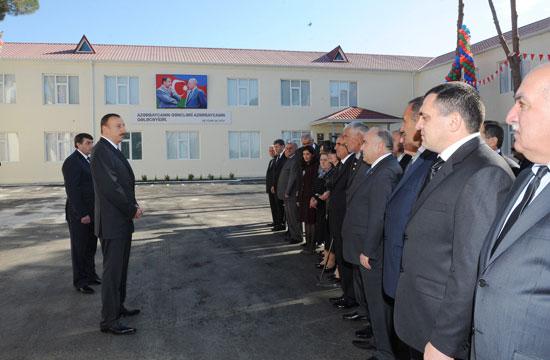 Azərbaycan Prezidenti Sabirabadda orta məktəbin açılışında iştirak edib (YENİLƏNİB) (FOTO) - Gallery Image