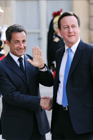 France and Britain sign treaties on defence cooperation
