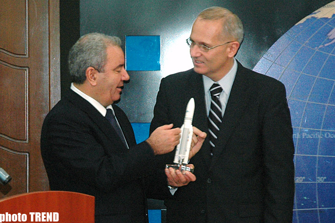 Azerbaijani Communication Ministry, Arianespace sign contract to launch national satellite Azerspace into orbit (UPDATE) (PHOTO) - Gallery Image
