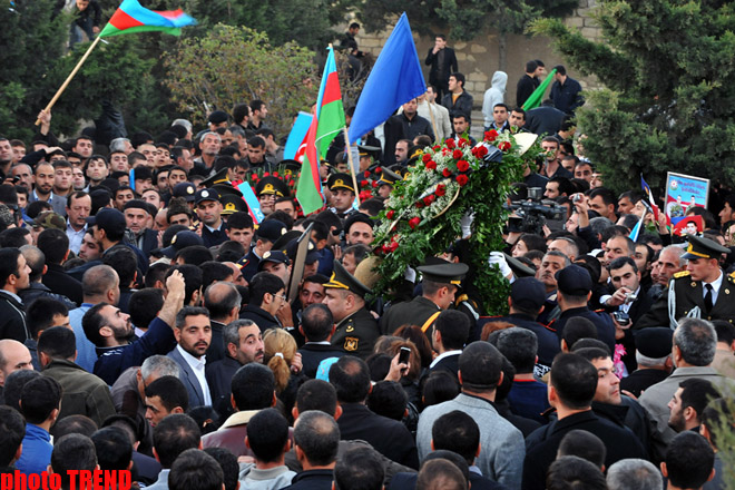 Azerbaijani servicemen buried in second Alley of Honors (UPDATE) (PHOTO) - Gallery Image