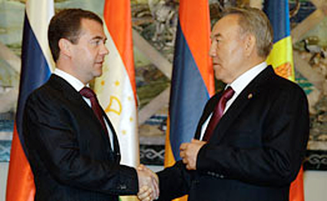 Russian president congratulates Kazakh counterpart on his birthday and Astana Day
