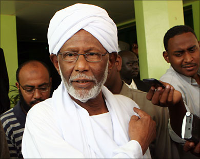 Sudan's opposition leader urges Bashir to step down peacefully