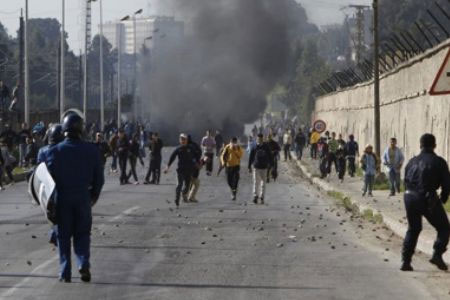 Algerian father of four sets himself on fire to protest government