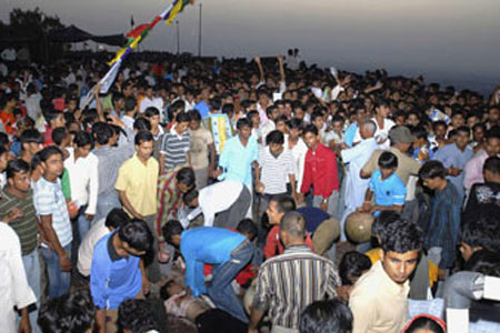 Times of India: 60 dead in Indian pilgrim stampede
