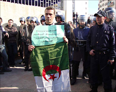 Algeria lifts state of emergency
