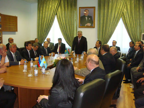 "Kazakhstan hosts roundtable on ""Heydar Aliyev and Azerbaijan"" (PHOTO)"