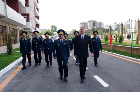 President Ilham Aliyev inaugurates residential complex for border guards (PHOTO)