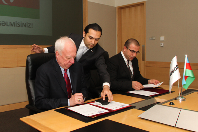 Azerbaijan signs software legalization agreement with Microsoft (PHOTO) - Gallery Image