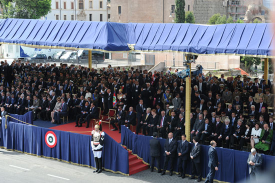 Azerbaijan`s President participates in official parade in Italy (PHOTO) - Gallery Image