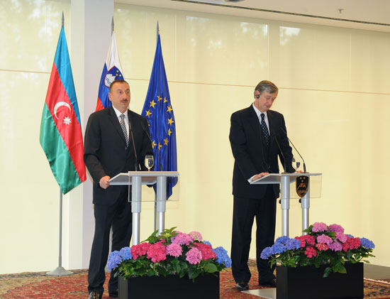 Azerbaijani, Slovenian presidents give joint press conference (PHOTO) - Gallery Image