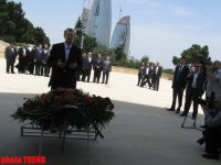 Iran's top official visits Alley of Martyrs and Alley of Honors (PHOTO) - Gallery Thumbnail
