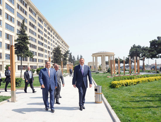 Azerbaijani President inspects reconstruction work in Buzovna settlement (PHOTO) - Gallery Image