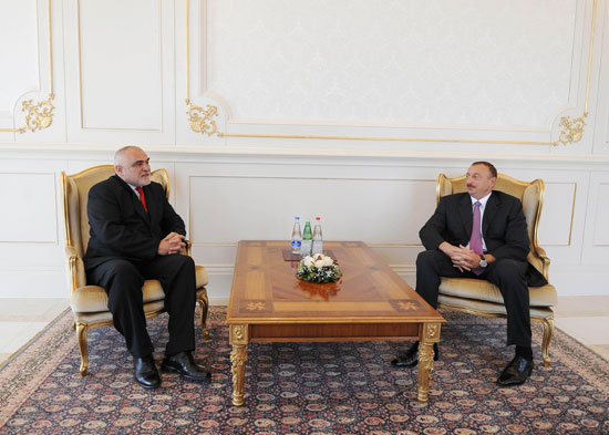 Azerbaijani President receives Romania`s outgoing ambassador  (PHOTO)