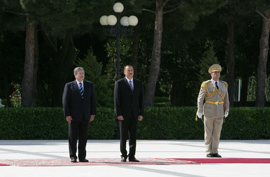 Polish President officially welcomed to Azerbaijan (PHOTO) - Gallery Image