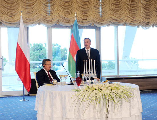 An official dinner hosted in honor of visiting Polish President (PHOTO)