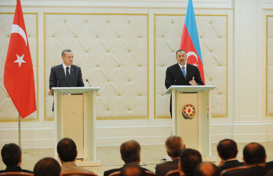 President Ilham Aliyev and Premier of Turkey hold joint press conference (PHOTO)