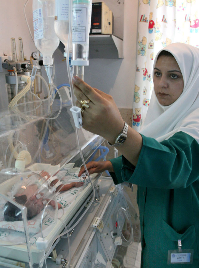 Iranian police issues warnings to local hospitals for improper nurses' clothing