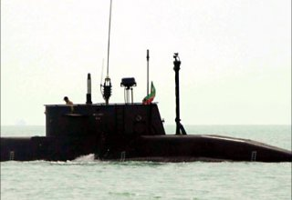 Iran to commission submarines and hovercrafts to country's Navy