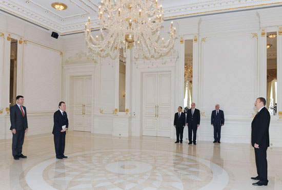 Azerbaijani President receives incoming British ambassador's credentials - Gallery Image