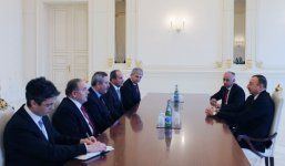 President Ilham Aliyev receives governor of Izmir province of Turkey (PHOTO) - Gallery Thumbnail