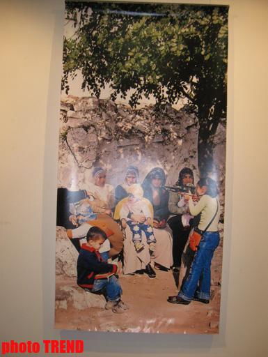 """В Баку открылась выставка """"Оружие массового поражения"""": """"Их кровь смывается как вода"""" (фотосессия) - Gallery Image"""