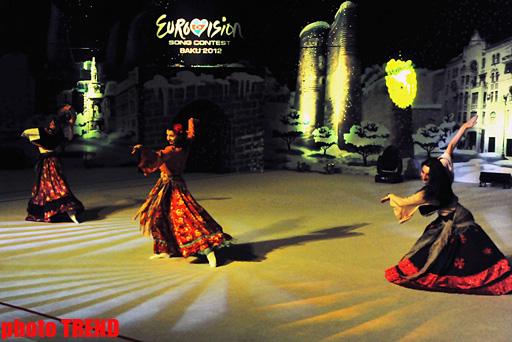 Новогоднее шоу в Баку - гимнастки в образе сказочных героев (фотосессия) - Gallery Image