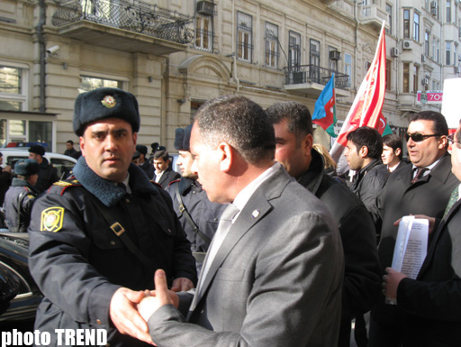 Protest held in front of French embassy in Baku (PHOTO) - Gallery Image