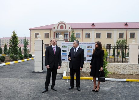 President Ilham Aliyev and his spouse visit quarters built for refugees and IDPs in Agjabadi
