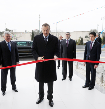 Azerbaijani President opens Intellectual Transport Management Center in Baku (PHOTO)