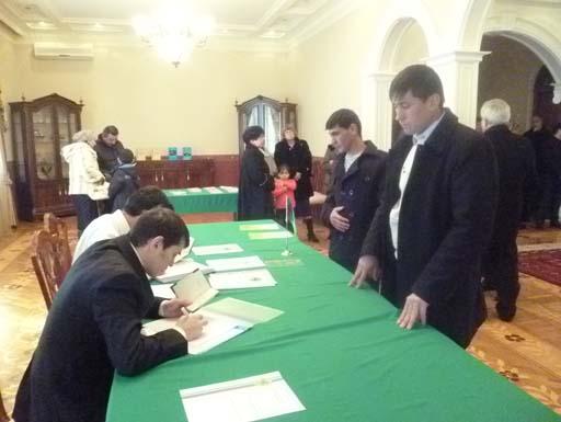 99% избирателей, зарегистрированных в посольстве Туркменистана в Азербайджане, проголосовали на выборах (ФОТО) - Gallery Image