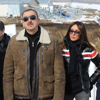 President Ilham Aliyev and his spouse inspect construction of Shahdag Winter and Summer Tourism Complex in Gusar (PHOTO)