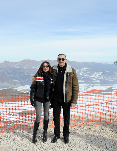 President Ilham Aliyev and his spouse inspect construction of Shahdag Winter and Summer Tourism Complex in Gusar (PHOTO) - Gallery Image