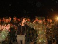 Народная артистка Азербайджана Назпери Досталиева выступила с праздничными концертами перед солдатами (фото) - Gallery Thumbnail