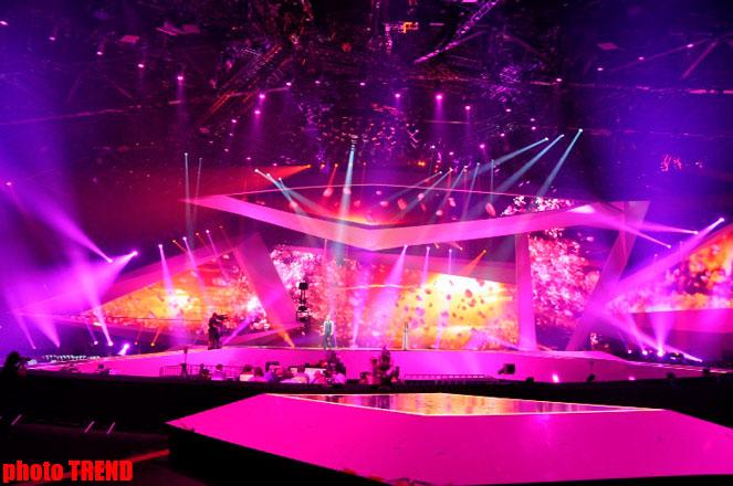 """Участник """"Евровидения 2012"""" перед юбилеем  провел  репетицию в """"Baku Crystal Hall"""" (фотосессия) - Gallery Image"""