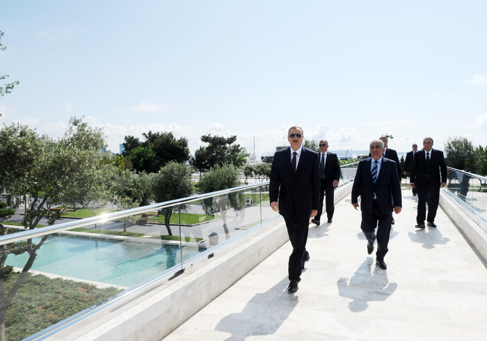 "Azerbaijani President attends opening of ""Small Venetian town"" at Seaside National Park (PHOTO)"