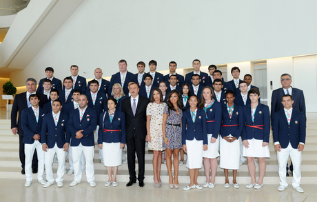 Azerbaijani President and his spouse attend seeing off ceremony of Olympic athletes (PHOTO)