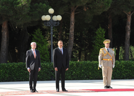 Head of European Council officially welcomed in Azerbaijan - Gallery Image