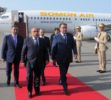 Tajik President embarks on official visit to Azerbaijan