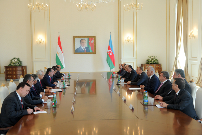 President: Very close and fraternal relations historically exist between Azerbaijani and Tajik peoples - Gallery Image