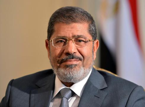 Morsi vows to protect legitimacy, replace cabinet