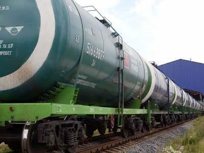 Over 100 carriages with fuels and lubricants stand idle at Kyrgyz-Uzbek border