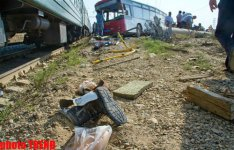 Train and bus collide in Baku, leaving dead and injured (UPDATED 4) (PHOTO) - Gallery Thumbnail