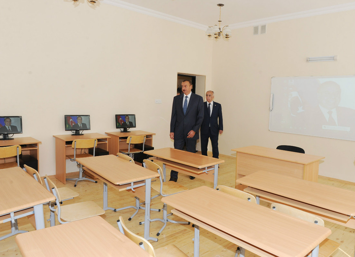 Azerbaijani President inspects Intellect school-lyceum and secondary school in Baku (PHOTO) - Gallery Image