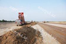 Yenikənd-Salyan avtomobil yolunun tikintisi davam edir (FOTO) - Gallery Thumbnail