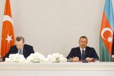 Azerbaijan, Turkey sign eight bilateral documents (PHOTO) - Gallery Thumbnail