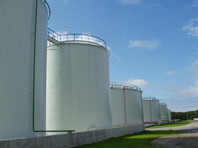 Kyrgyzstan imports over 690,000 tons of oil products in January-August