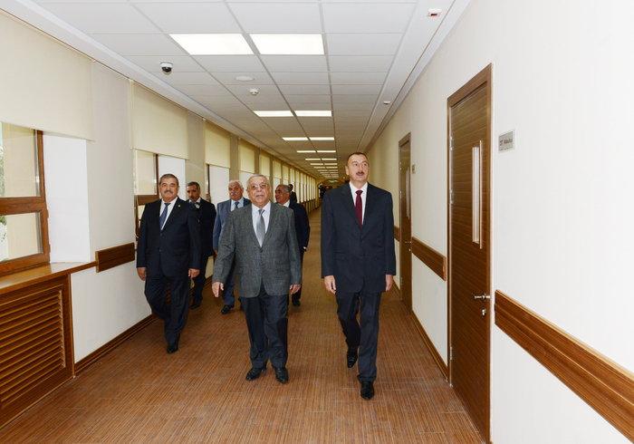 President Ilham Aliyev opens newly reconstructed school No 18 in Baku on Knowledge Day (PHOTO) - Gallery Image