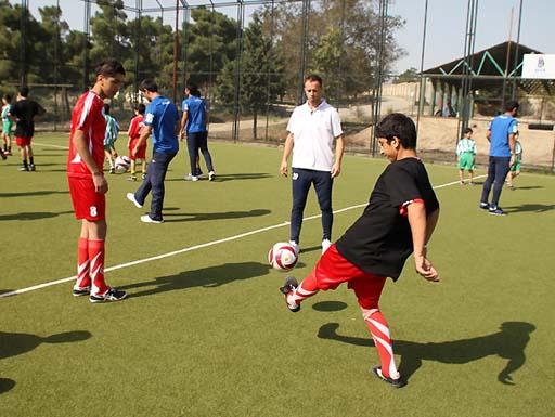 Futbol üzrə Azərbaycan yığmasının üzvləri Bakı SOS Uşaq Kəndində olublar (FOTO) - Gallery Image