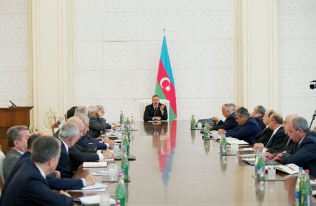 Azerbaijani President chairs Cabinet meeting to discuss results of socio-economic development in nine months of 2012